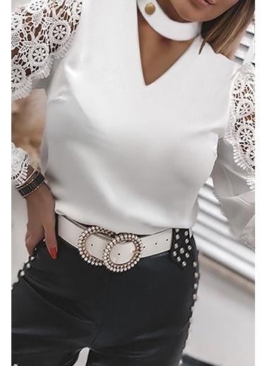 BLACK&GRACE Kadın Siyah Boyunu Çıtçıtlı Kolu Dantelli Bluz Beyaz